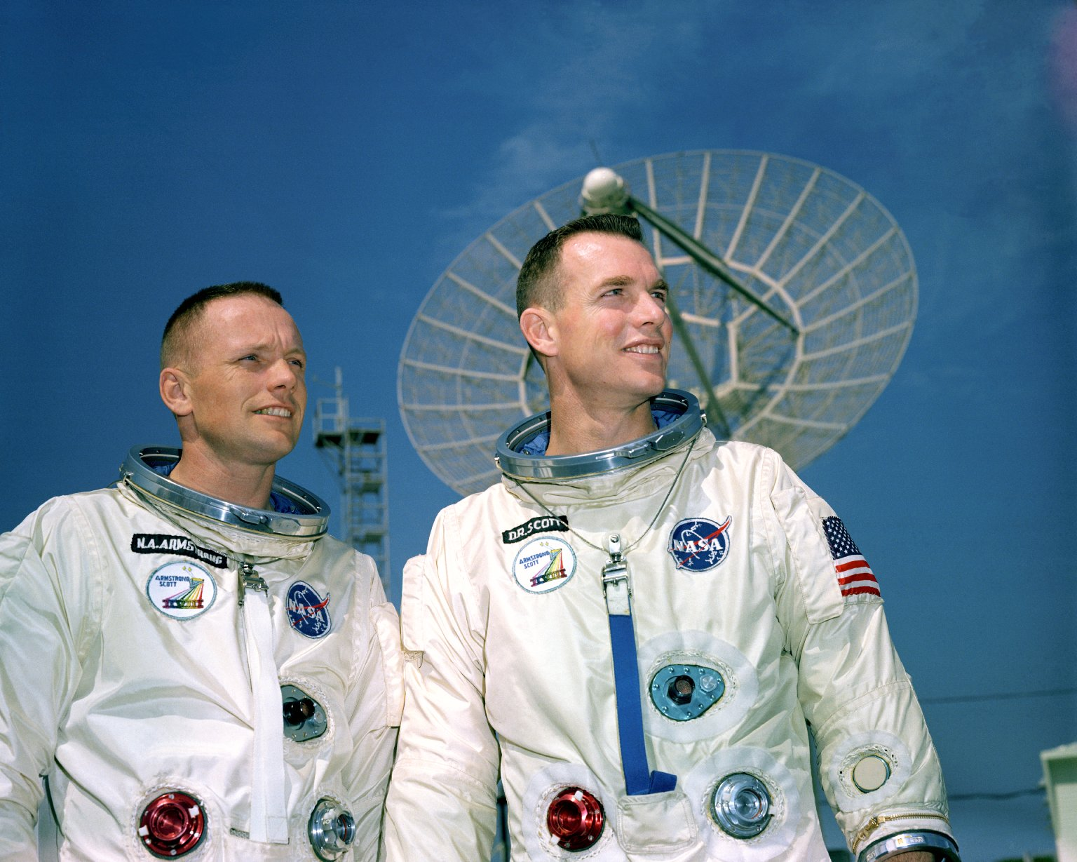 Astronauts Armstrong and Scott during photo session outside KSC