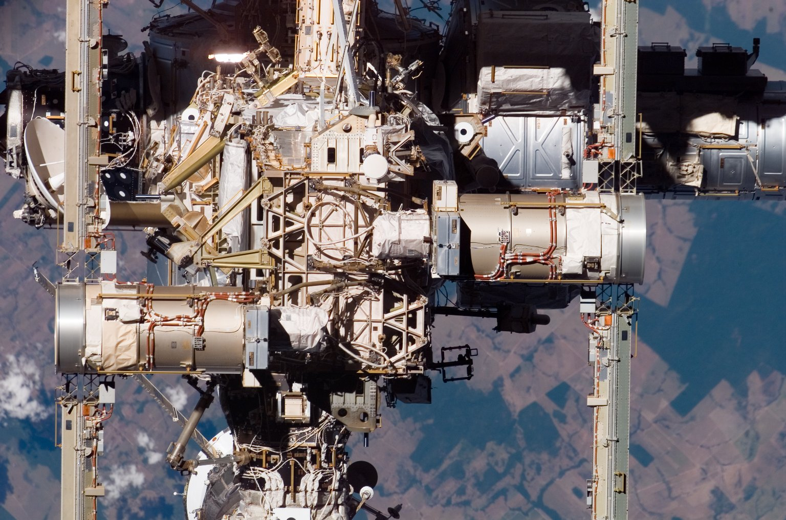 FWD and Zenith Sides of the P6 / Z1 Trusses, and A/L on the ISS during STS-117 Mission