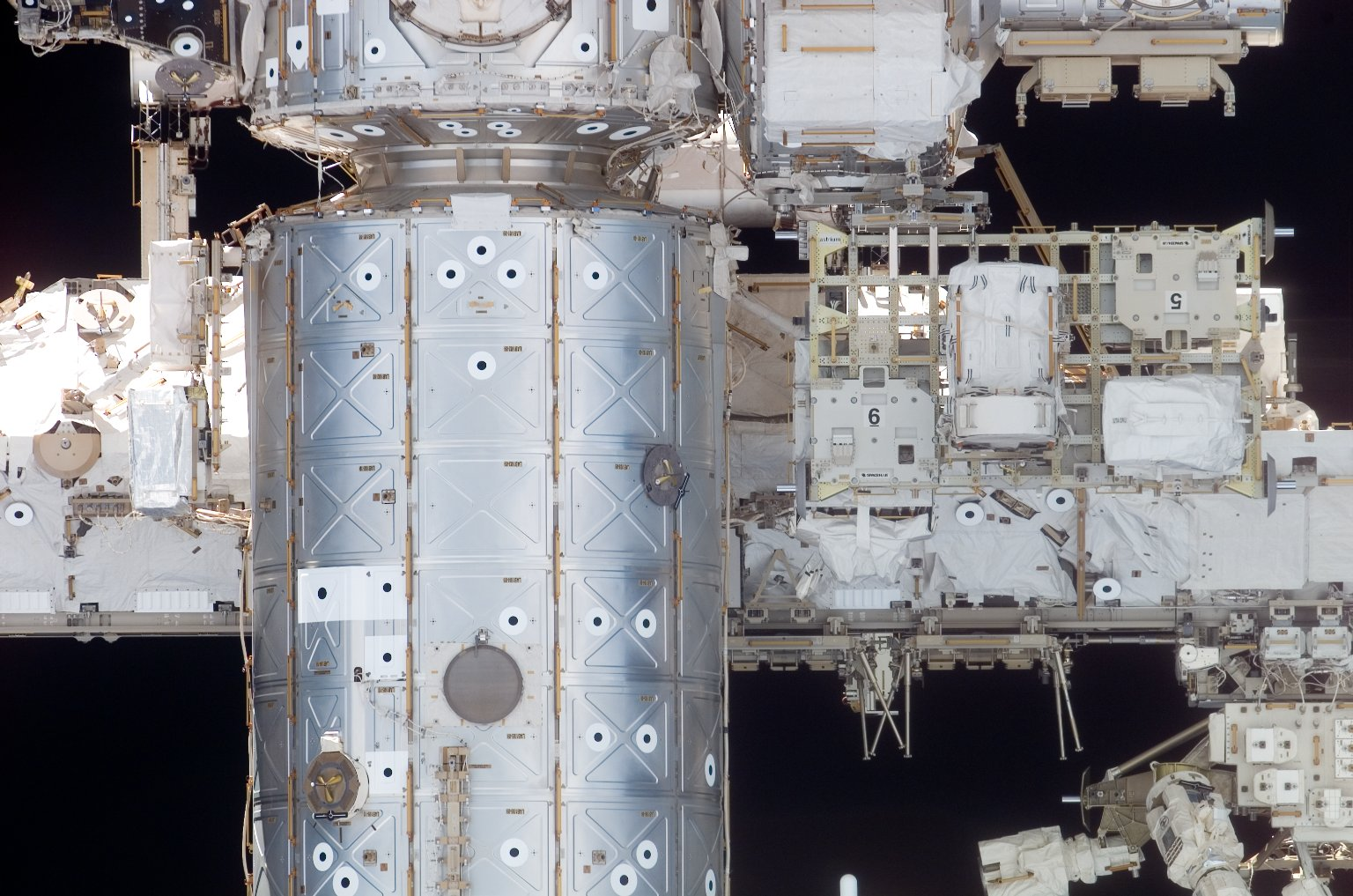 S0 Truss,U.S. Laboratory,and Node 1 on the ISS during STS-117 Mission