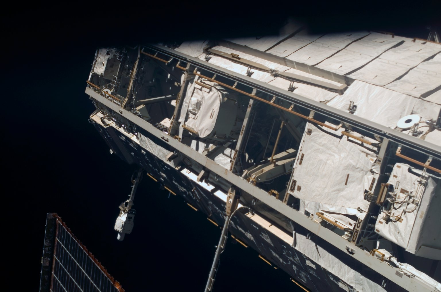 View of the P1 Truss taken during an ISS survey on STS-121 / Expedition 13 joint operations