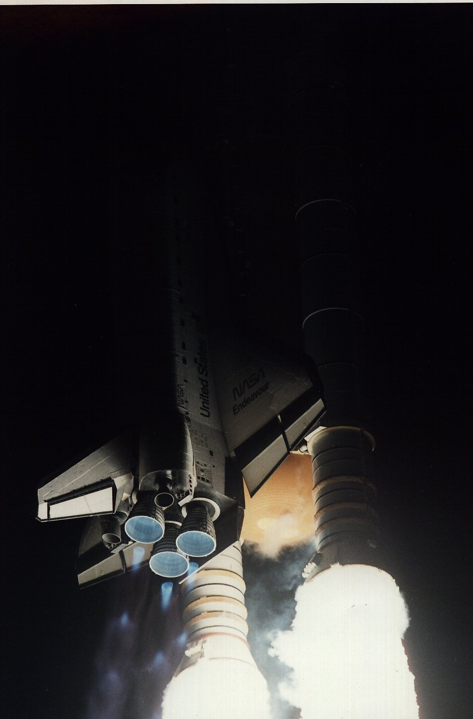 Night Launch of STS-67 w/view of Space Shuttle Main Engines