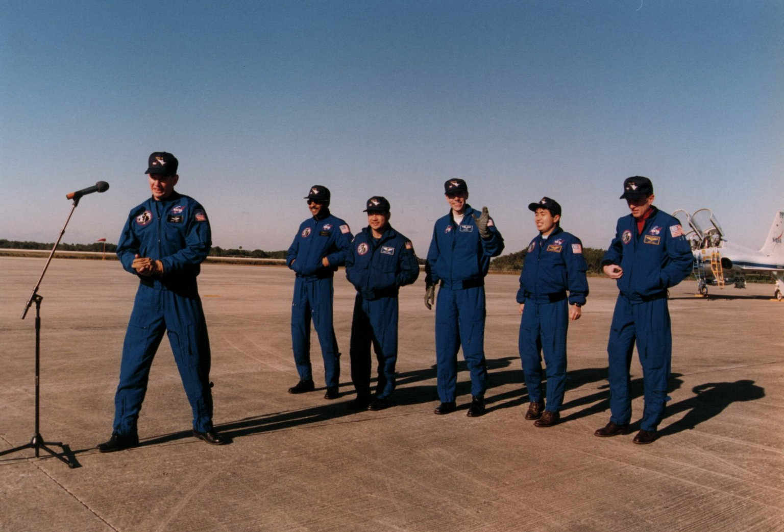 STS-72 Crew arrived at KSC's SLF